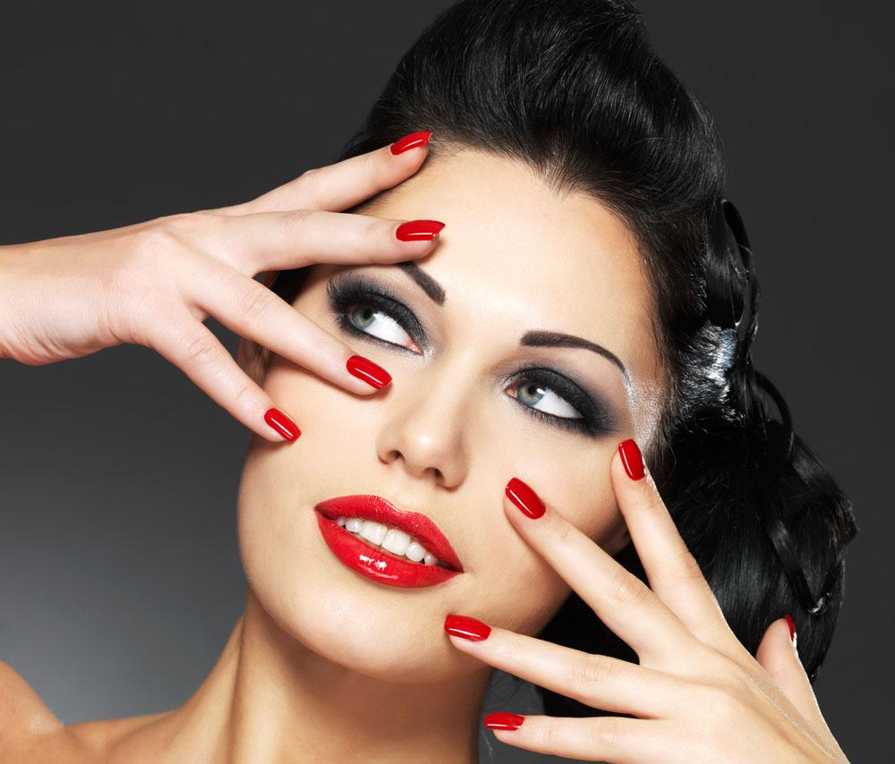 Фото с прическами и макияжем маникюр