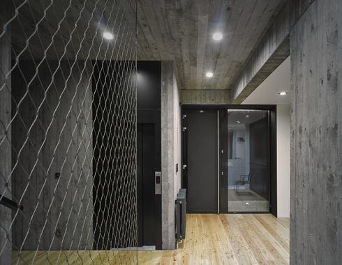 Отделка  стен монолитный бетон